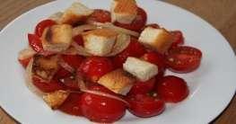 Spanischer Tomatensalat